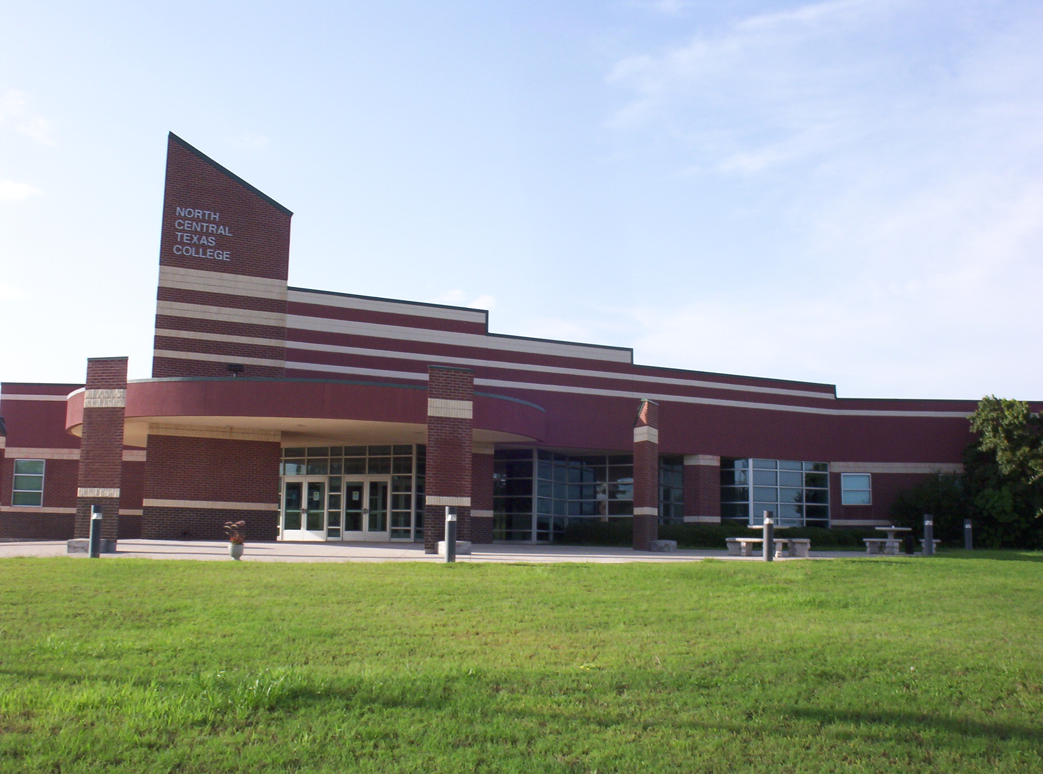 NCTC Bowie Campus Side View